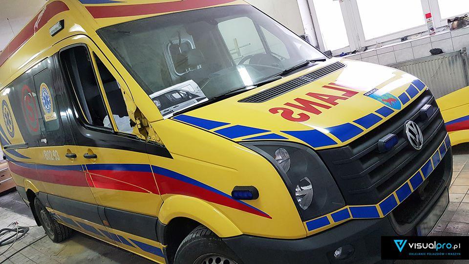 Oklejanie ambulansu