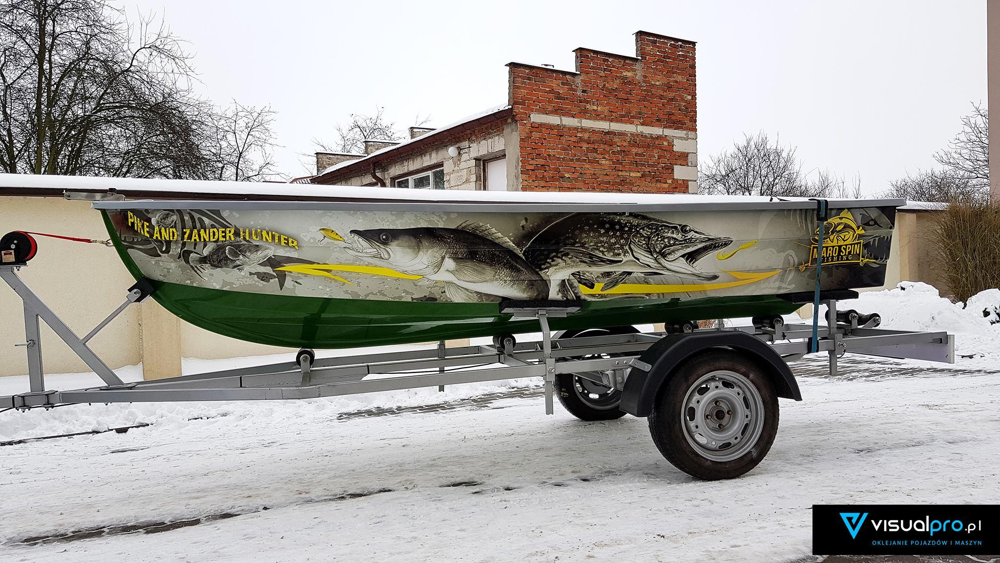 Oklejanie łódki